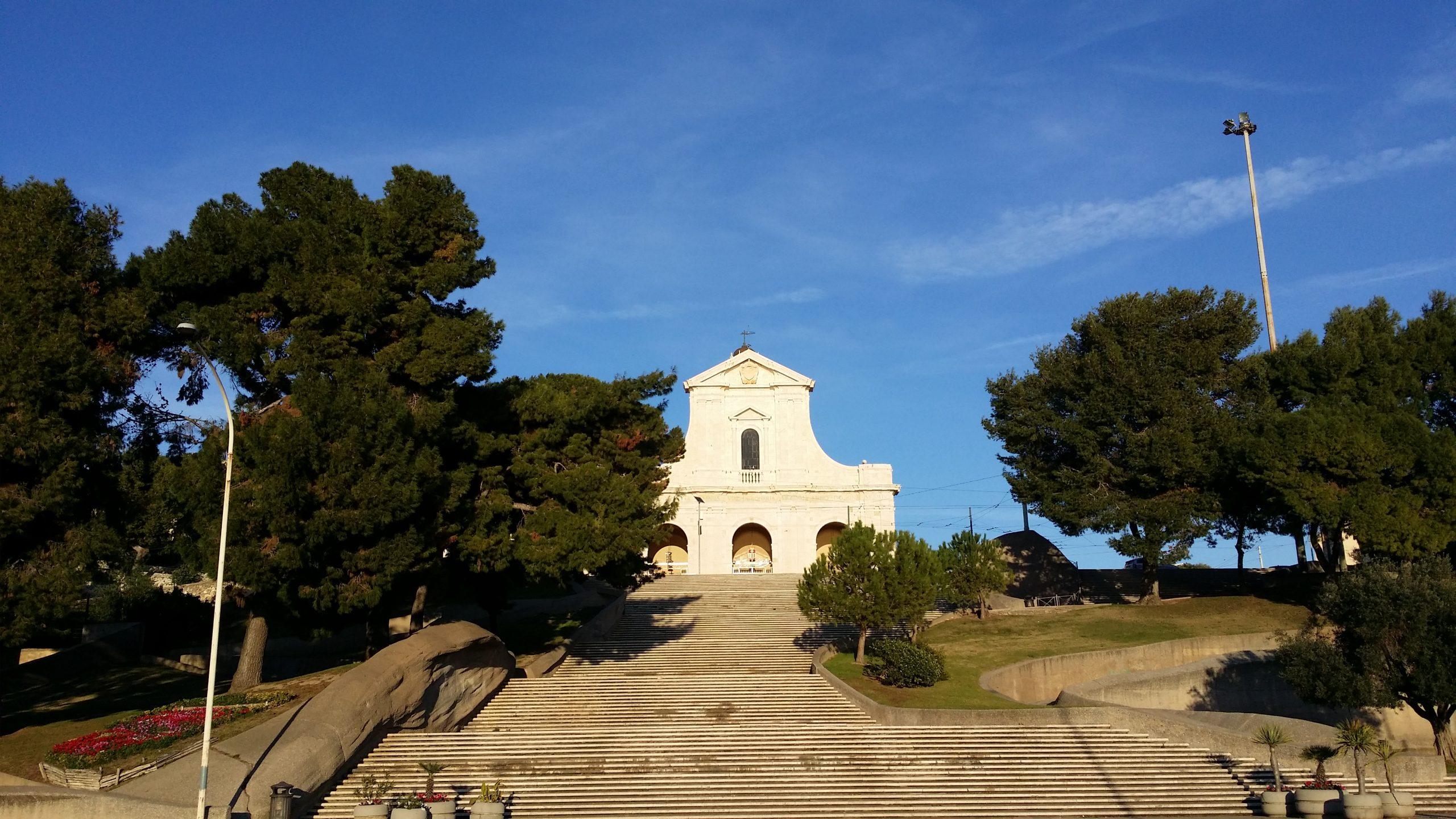Scalinate della basilica della Madonna di Bonaria a Cagliari